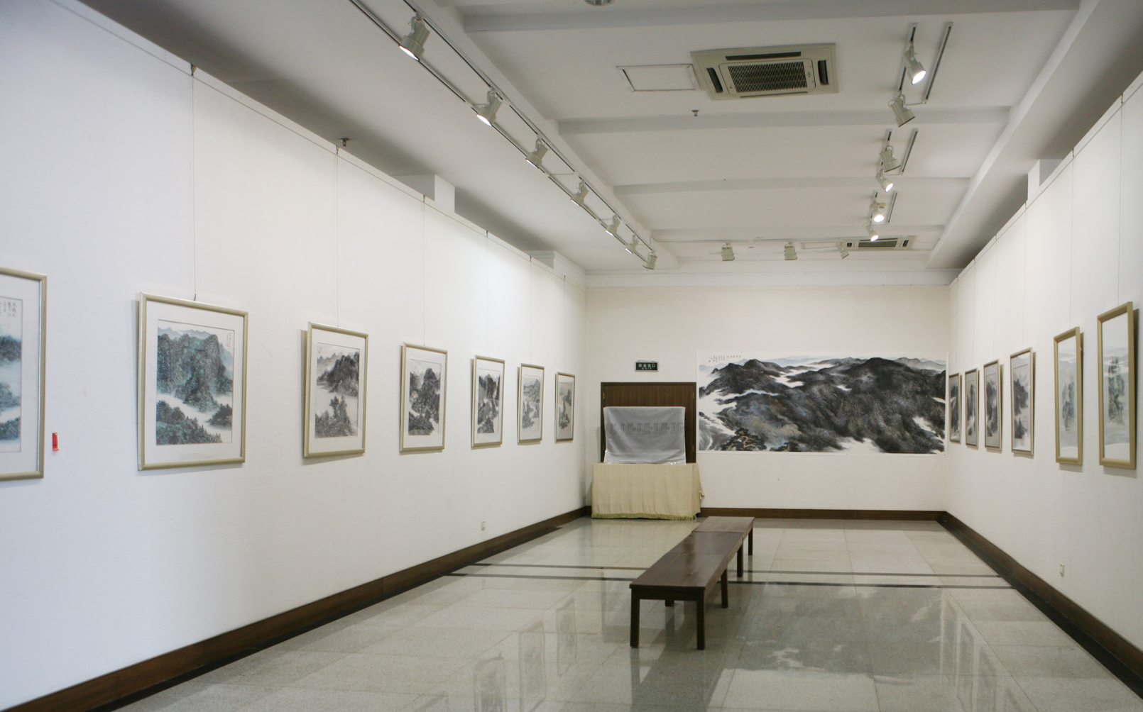 Contemporary Chinese Painting Artist Hefeng Hall Gallery